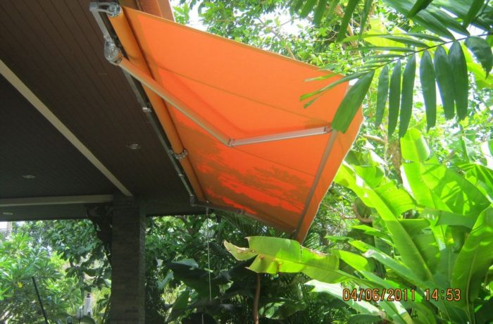 Awning – Retractable